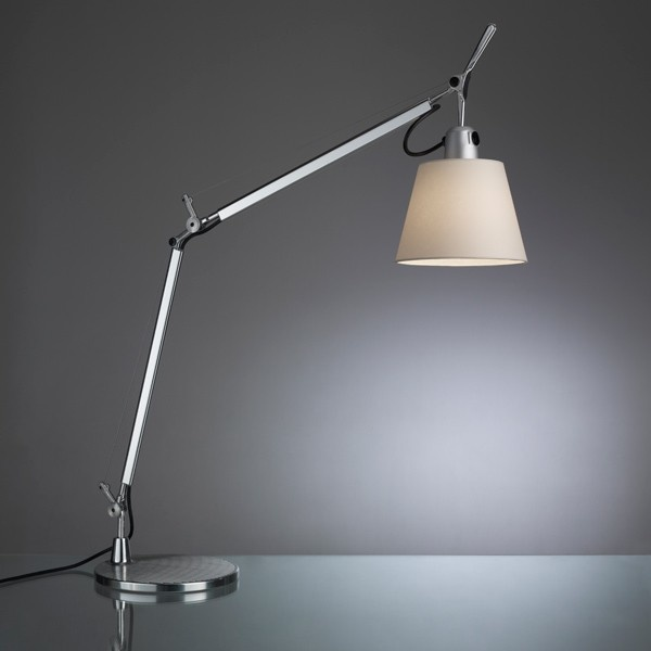 Tolomeo basculante table. Artemide