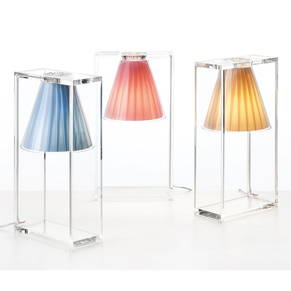 Lámpara sobremesa Light-Air. Kartell