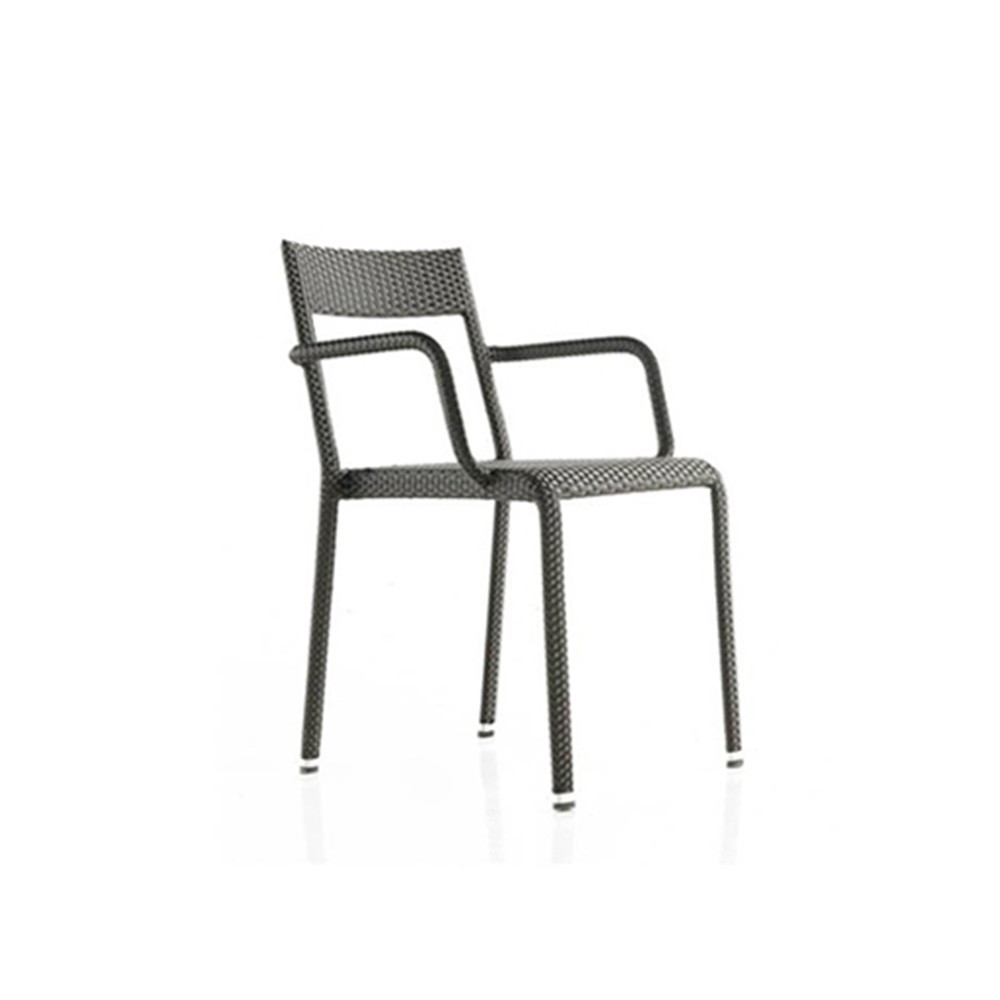 Silla easy chairs con brazo ligera y apilable con trenzado for Easy sillas de jardin