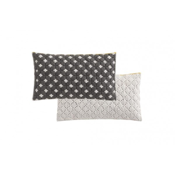 Cojín Silai rectangular Dark grey-white. GAN