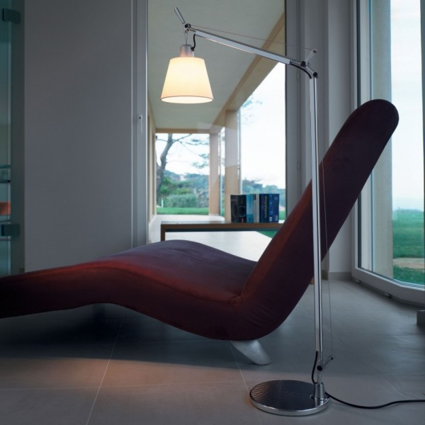 Tolomeo basculante reading floor. Artemide