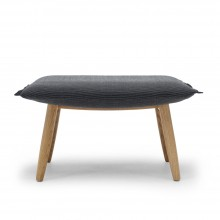 Reposapiés E016 Embrace Footstool en tela. Carl Hansen and Son