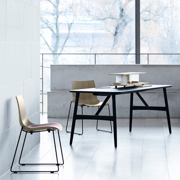 Silla BA003T Preludia Sled. Carl Hansen and Son