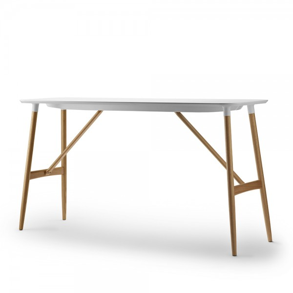 Mesa BA102/BA104 Preludia Bar Table. Carl Hansen and Son