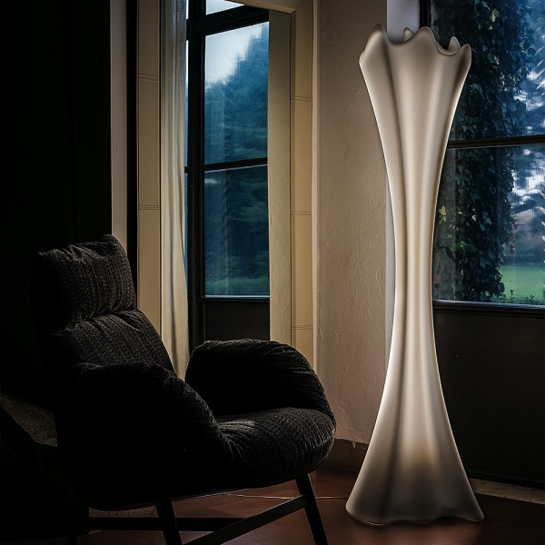 Perchero luz Sipario light. Cattelan Italia