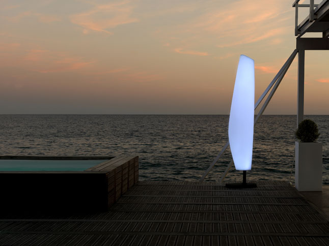 lampara de vondom blanca diseñador javier mariscal