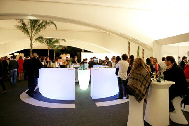 barra con luz interior Fiesta diseño de Archivolto