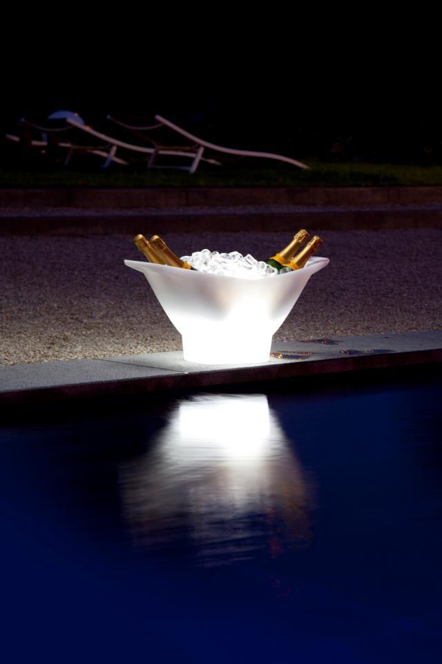 Cubitera de diseño para exterior de iluminación con led