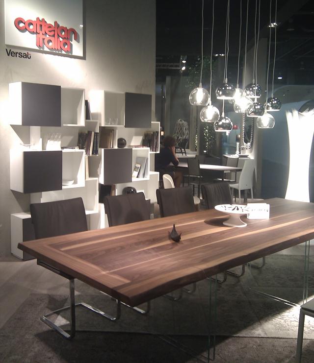 Exposición muebles hogar diseño Cattelan Italia