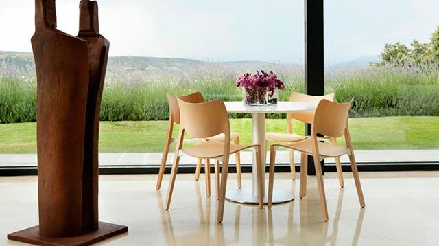 mesas y sillas stua