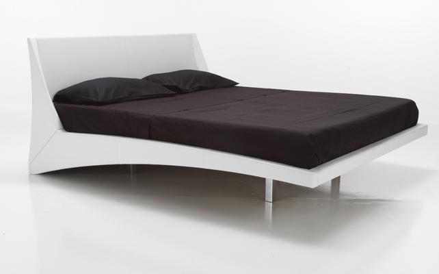 cama-dylan-cattelan