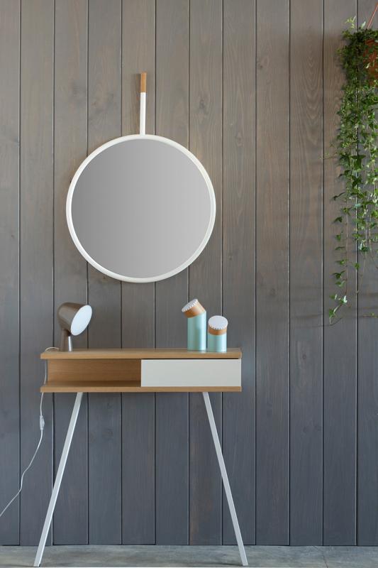 Hang Mirror. Omelette-Ed. Muebles Lluesma.