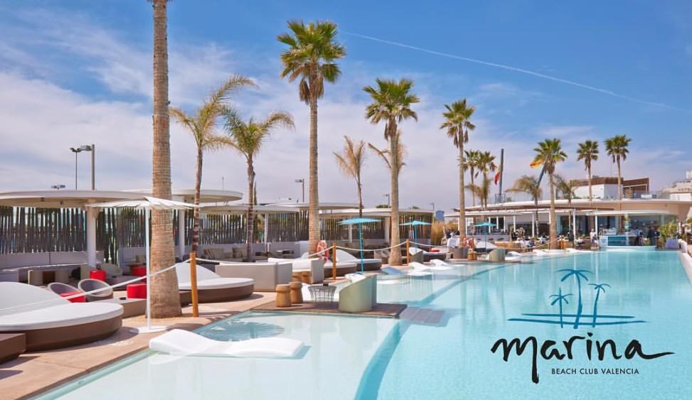 Lujo y dise o en el mobiliario del marina beach club for Hotel diseno valencia