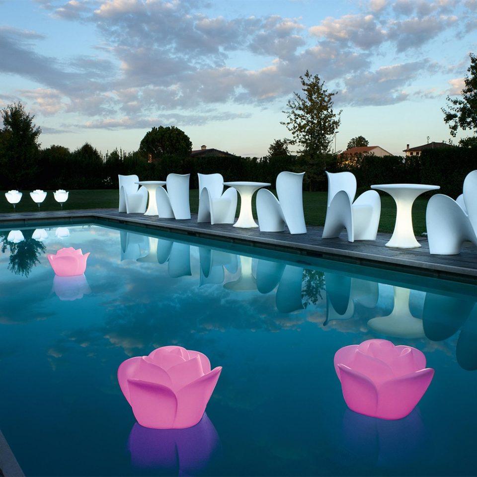 lamparas flotantes para piscinas