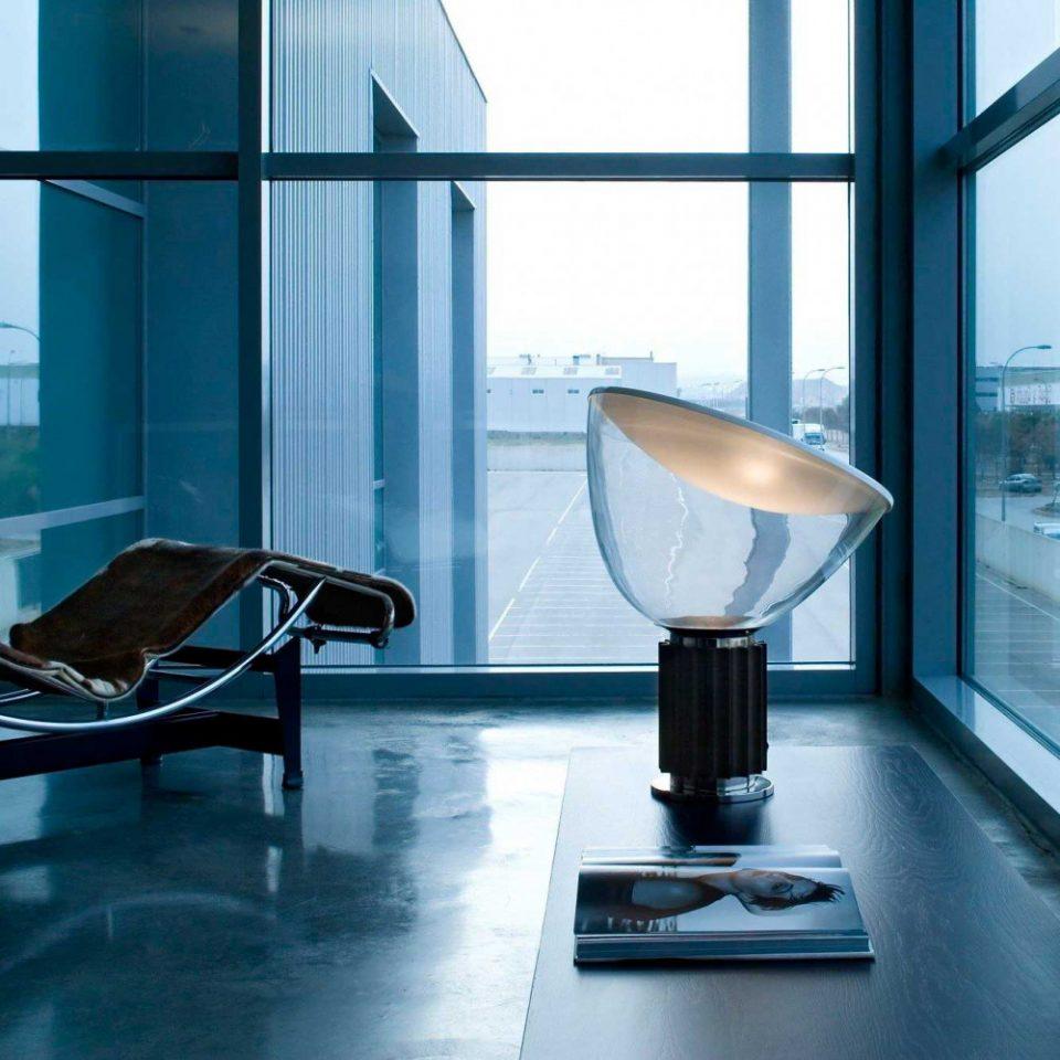 Lámpara mesa Taccia Flos