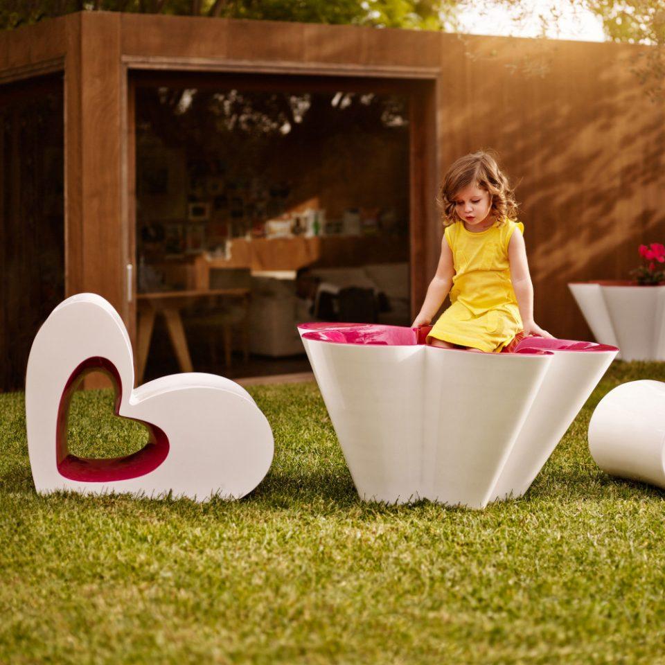 diseño de muebles de ágatha ruiz de la prada