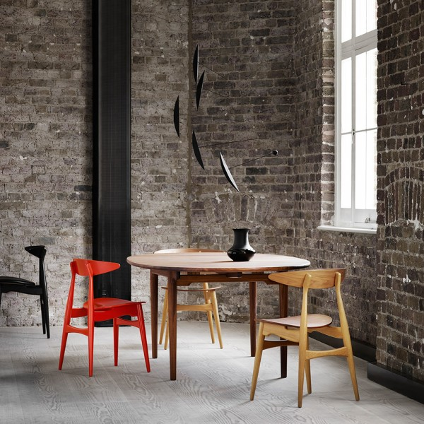 Mesa CH339 Dining Table extensible. Carl Hansen and Son