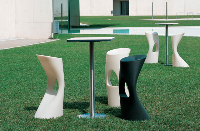 Llega el calor sillas de dise o para exterior de m114 for Mobiliario cafeteria