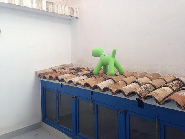 El puppy de magis me too es un perrito de dise o abstracto for Muebles de oficina jovalu